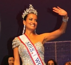 mrs world April Lufriu
